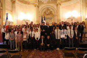 Les lauréats entourent M. de Rugy, président de l'Assemblée nationale, et M. Jacques Tissier, président de CiDAN
